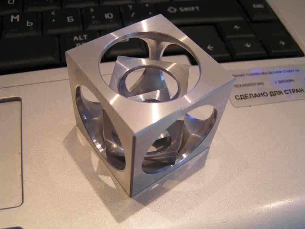 Куб с отверстием своими руками