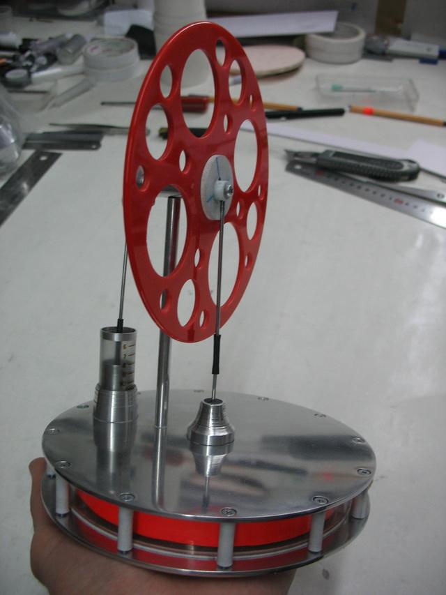 Двигатель стирлинга  из шприца видео