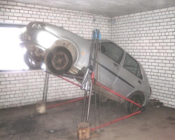 Самодельный подъёмник в гараже