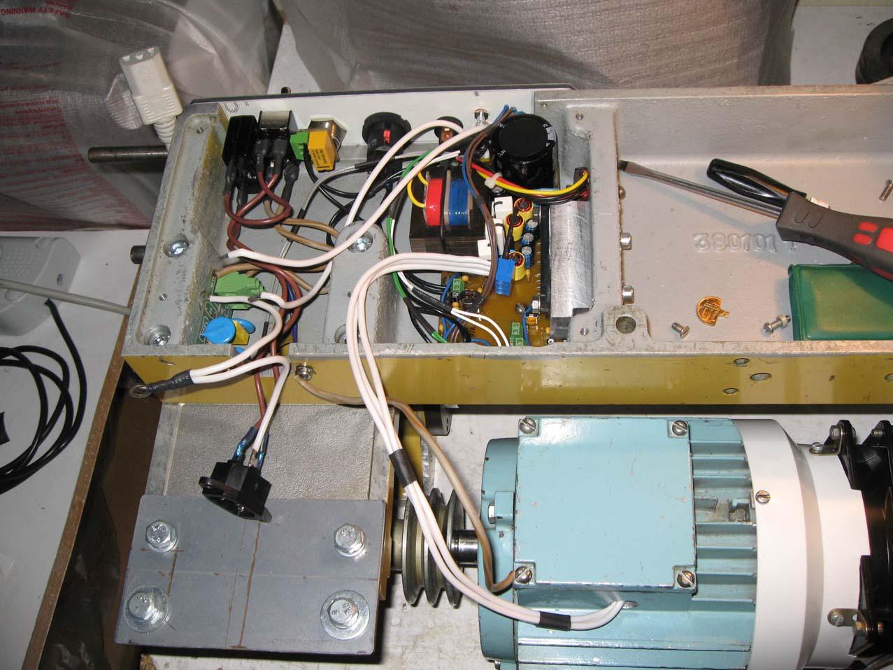 схема управления трехфазным двигателем на ir2130