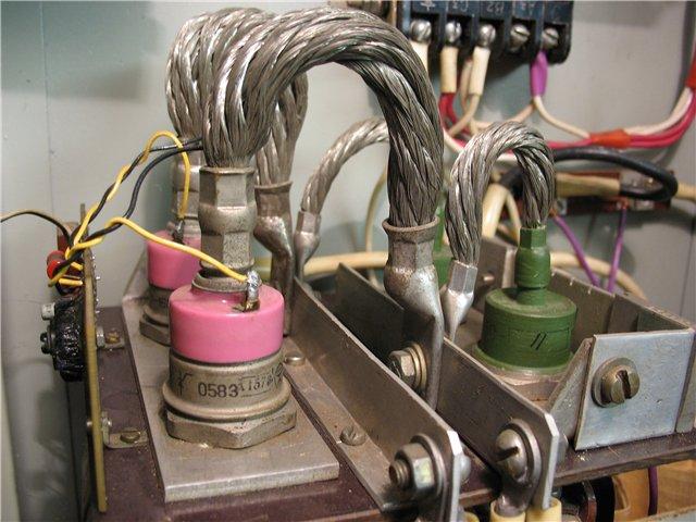 Зарядное пусковое устройство 12в 24в своими руками