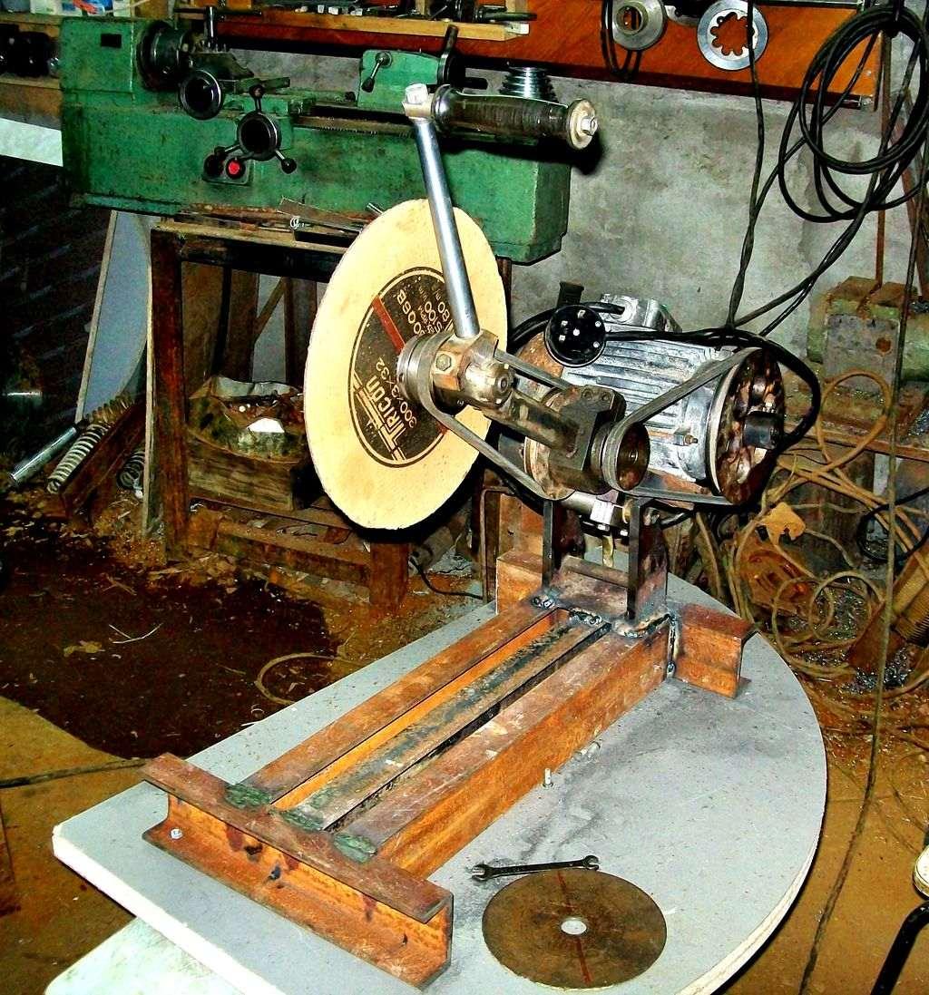 Токарный станок из болгарки по металлу
