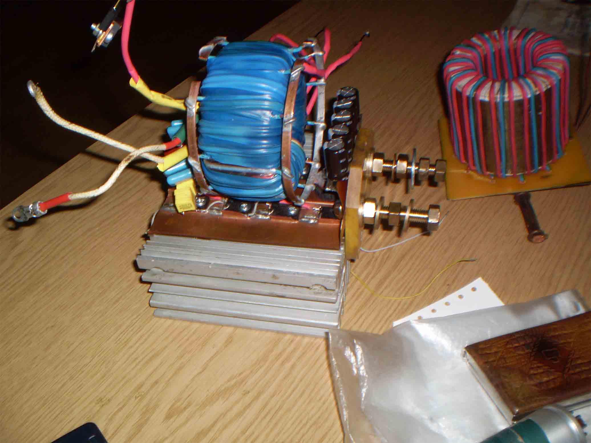 Как сделать солнечную батарею на 220 вольт