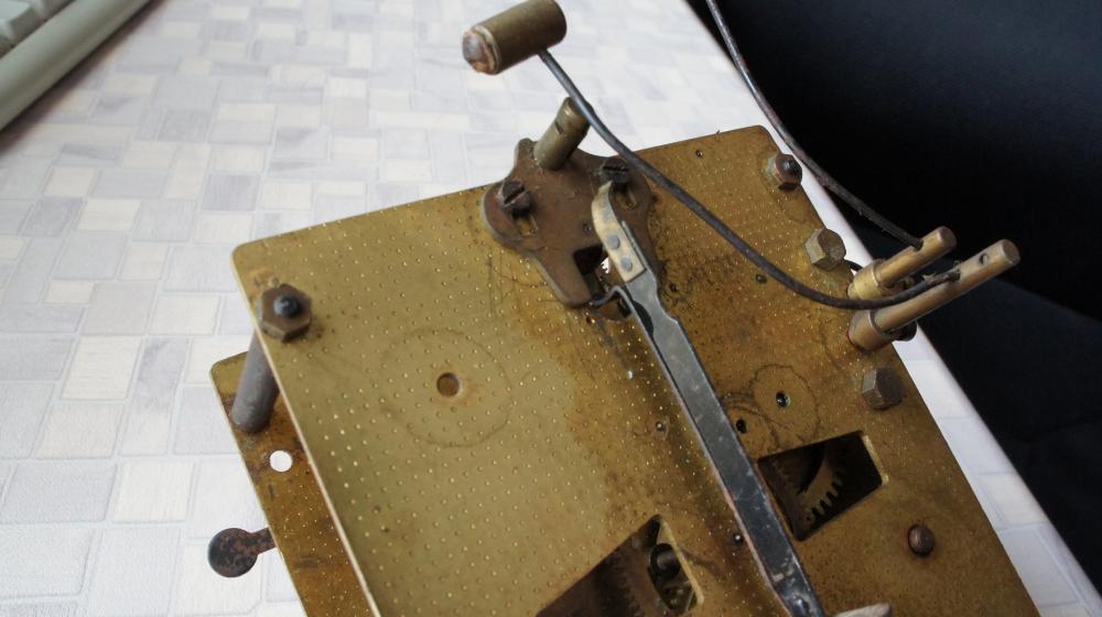 Ремонт своими руками настенных часов янтарь с боем 761
