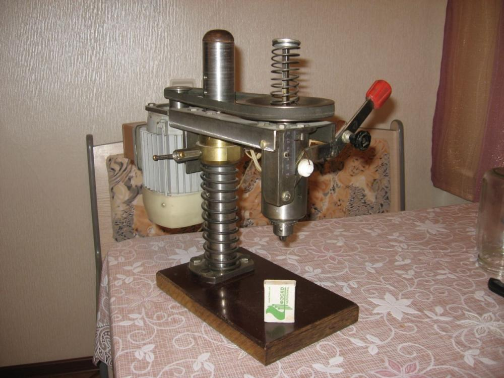 Как сделать своими руками мини сверлильный станок