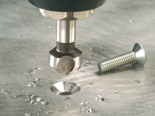 Как расточить отверстие в металле в домашних условиях