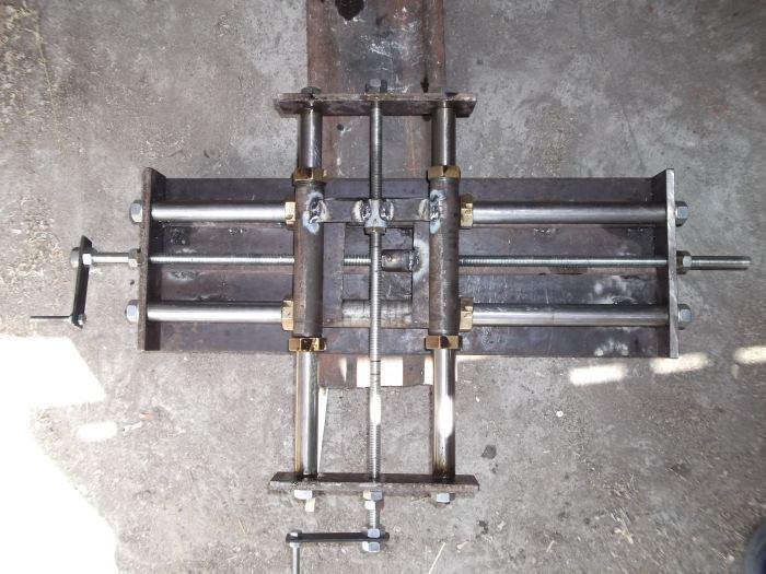 Как сделать координатный стол для сверлильного станка