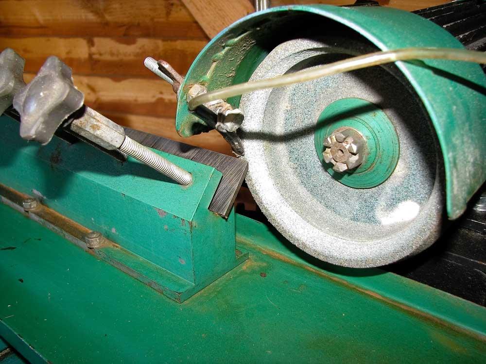 Самодельные станки для заточки ножей для фуганка