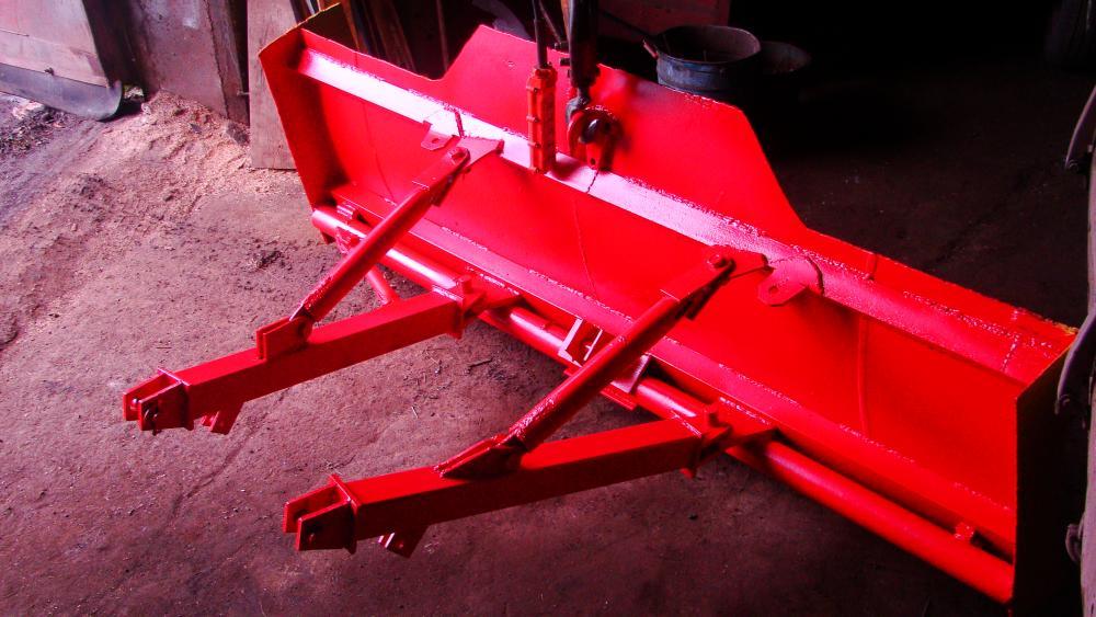 Самодельный отвал (лопата) на заднюю навеску трактора.