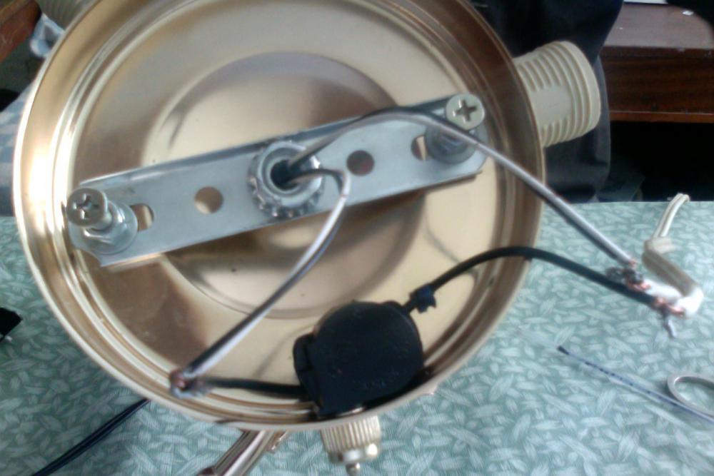 схема подключения бра с выключателем