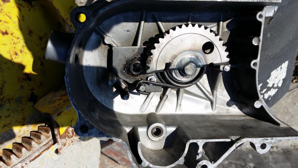 Ремонт крышки вариатора китайского скутера своими руками