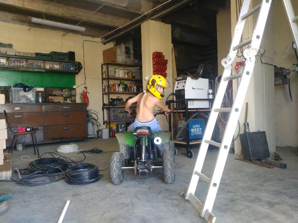Приспособление для гаража своими руками фото